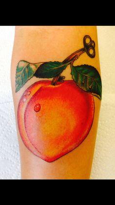Peach tattoo Body Art Tattoos, I Tattoo, Peach Water, Peach Tattoo, Cute Couple Tattoos, Cute Couples, Watercolor Tattoo, Tatting, Cute Kittens