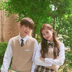A-Teen Korean web drama. Actors Kim Dong Hee ( male ) and Lee Na Eun ( female). Drama Korea, Korean Drama, Ullzang Girls, Teen Web, Teen Images, Teen Pics, Korean Best Friends, Web Drama, Drama Drama
