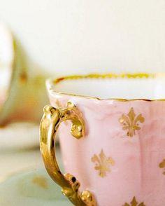 Pink with Gold Fleur de Lis      Perfect