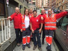 Voluntarias/os de Cruz Roja Basauri y Cruz Roja Durango cubriendo la Marcha para la Solidaridad: Recorrido por Basauri y Subida al Monte Malmasin