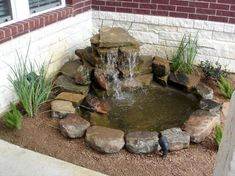 Gorgeous Backyard Ponds and Water Garden Landscaping Ideas (35)