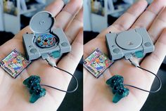 Funny pictures about Tiny PlayStation. Oh, and cool pics about Tiny PlayStation. Also, Tiny PlayStation photos. Mini Choses, Poupées Our Generation, Videogames, Mini Craft, Miniature Crafts, Miniature Food, Gadgets, Miniture Things, Small World