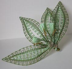 Doily Art, Bobbin Lace Patterns, Lace Heart, Lace Jewelry, Needle Lace, Chameleon, Doilies, Lace Detail, Needlework