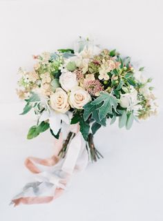 Romantic bouquet: http://www.stylemepretty.com/2015/01/02/romantic-garden-party-wedding/ | Photography: O'Malley - http://omalleyphotographers.com/