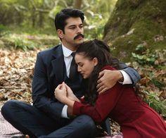 burak özcivit Turkish Men, Turkish Actors, Movie Couples, Romantic Couples, Tv Series 2013, Dark Castle, Burak Ozcivit, Love Birds, Couple Goals