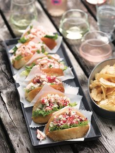 Guédilles au homard - Châtelaine Fruit Salad Recipes, Dessert Recipes, Lobster Recipes, Tasty Bites, Wrap Sandwiches, Fish And Seafood, Tapas, Entrees, Food To Make