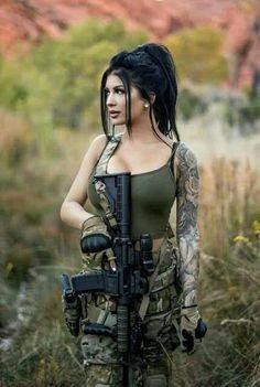 70 ideas for tattoo frauen oberschenkel waffe Mädchen In Uniform, Military Girl, Female Soldier, Army Soldier, Warrior Girl, Military Women, Weapons Guns, Military Weapons, Airsoft