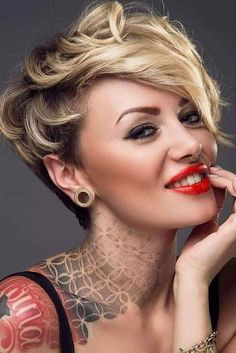 Today we have the most stylish 86 Cute Short Pixie Haircuts. We claim that you have never seen such elegant and eye-catching short hairstyles before. Pixie haircut, of course, offers a lot of options for the hair of the ladies'… Continue Reading → Short Pixie Haircuts, Cute Hairstyles For Short Hair, Pixie Hairstyles, Straight Hairstyles, Curly Hair Styles, Teenage Hairstyles, Medium Haircuts, Hairstyles 2018, Curly Bangs
