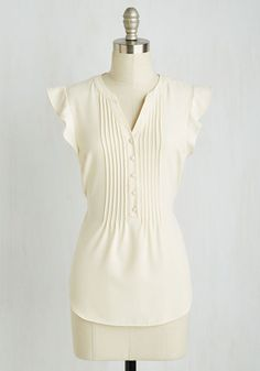 Expert in Your Zeal Top in Vanilla From The Plus Size Fashion Community At www.VintageAndCurvy.com