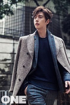 Suave Park Hae Jin, I'd faint if I saw him just casually strutting around like that. Its never ever even remotely possible, but on the off chance... I'd not be able to handle it (: