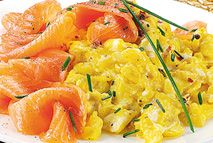 Smoked salmon and scrambled eggs – Recipes – Slimming World