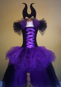 Maleficent tutu dress by SimiPrincessBoutique on Etsy Diy Tutu, Tulle Tutu, Tulle Dress, Tutu Costumes, Disney Costumes, Costume Dress, Carnaval Kids, Little Girl Dresses, Girls Dresses