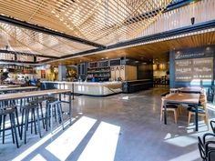 Fareground: the Ultimate Guide to the Downtown Austin Food Hall - Westfield - De beste dingen om te eten in de Fareground Food Hall in Austin – Eater Austin - Austin Food, Austin Tx, Austin Downtown, Sushi Lunch, Pita Sandwiches, Fast Casual Restaurant, Cheese Shop, Vegetable Curry, Japanese Snacks