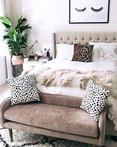 Use these wonderful modern living room ideas even if you have a small living room. Use these wonderful modern living room ideas even if you have a small living room. Cozy Bedroom, Bedroom Inspo, Dream Bedroom, Bedroom Neutral, Stylish Bedroom, Bedroom Inspiration, Seating In Bedroom, Bedroom Wall, Feminine Bedroom