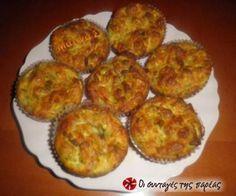 Μάφινς με κολοκυθάκι και τυριά Savory Muffins, Party Buffet, Greek Recipes, Deserts, Cooking Recipes, Breakfast, Cupcakes, Food Ideas, Drink