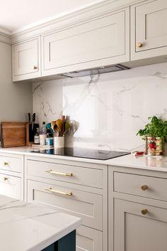 Kitchen Room Design, Kitchen Cabinet Design, Modern Kitchen Design, Kitchen Layout, Home Decor Kitchen, Interior Design Kitchen, Home Kitchens, Open Plan Kitchen Dining Living, Living Room Kitchen