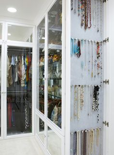 Love how the jewellery is organised here...just need a walk-in wardrobe to facilitate in! Doh!