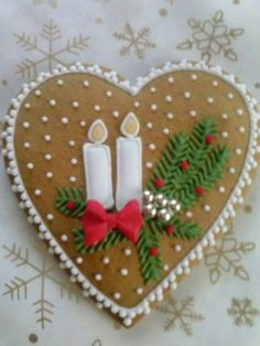 fancy christmas cookies Weihnachtspltzchen Christmas Heart Cookie with Candles and Holly - image Christmas Hearts, Felt Christmas Ornaments, Noel Christmas, Christmas Goodies, Christmas Candy, Christmas Baking, Handmade Christmas, Fancy Cookies, Heart Cookies