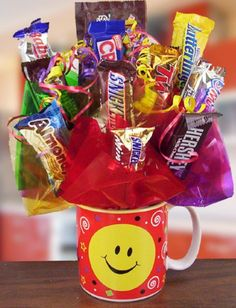 With over of all candy being sold on a holiday, candy crafts and gifts have proved to be a billion-dollar industry. Handmade candy gifts are especially popular and can be a cost-effective craft to create. Candy Bouquet Diy, Diy Bouquet, Valentine Gifts For Boys, Valentines Diy, Chocolate Gifts, Chocolate Tree, Pastor Appreciation Gifts, Corporate Gift Baskets, Candy Arrangements