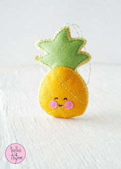 PDF Pattern - Little Pineapple Felt Sewing Pattern, Winter Holiday Felt Ornament Pattern, Christmas Ornament, Food Softie Pattern by sosaecaetano on Etsy https://www.etsy.com/listing/255729646/pdf-pattern-little-pineapple-felt-sewing