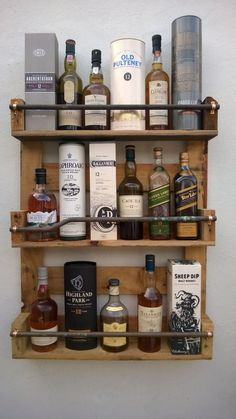 Whisky Rack Shelf Upcycled Pallet / Crate Handmade Vintage Shabby Chic Kitchen in Home Furniture & DIY Cookware Dining & Bar Bar & Wine Accessories Industrial Home Design, Industrial Pipe Shelves, Industrial House, Industrial Chic, Kitchen Industrial, Diy Home Bar, Bars For Home, Shabby Chic Kitchen, Shabby Chic Homes