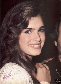 Brooke Shields Photos - Brooke Shields Picture Gallery - FamousFix - Page 15 Most Beautiful Faces, Beautiful Women, Brooke Shields Young, Horse Girl Photography, Ideas For Instagram Photos, Actrices Hollywood, Brunette Beauty, Pretty Baby, Vintage Hairstyles
