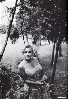 vintage everyday: Rare Black and White Photos Captured Lovely Moments of Marilyn Monroe That You Probably Have Never Seen Before