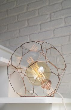 Geometric lamp. Pendant or to be put down. Glass facets. Dodecahedron shape. Edison bulb. Vintage. Sacred geometry. Gift