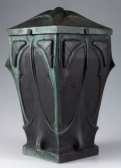 Jugendstil covered vase, Germany, c1900. H. 45 cm; 25 x 25 cm. Bronze with verdigris patina.