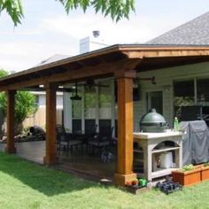 Traditional and bright  covered porch in the Austin area - Design Ideas - Archadeck