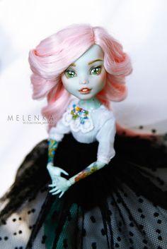#Melenka #repaint #FrankieStein #monster #High #custom #doll #ooak #monsterhigh