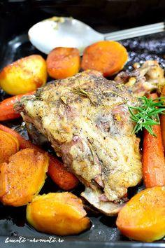 Lamb with white wine and rosemary Pot Roast, White Wine, Lamb, Dinner Recipes, Turkey, Ethnic Recipes, Anna, Honey, Kitchens