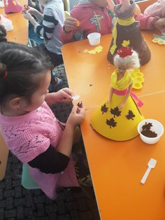 Princesses, Activities For Kids, Leaves, Cake, Food, Food Cakes, Eten, Cakes, Kid Activities