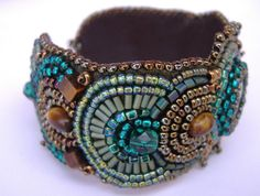 Kelaino - bead embroidered bracelet, by zaziebeads on Etsy.