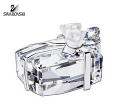 Swarovski Crystal Figurine Wedding Present with Flowers Roses #992561