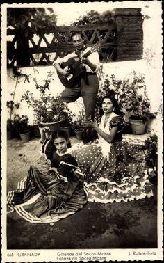 Gitans du Sacro Monte Granada Gypsy Caravan, Gypsy Wagon, Gypsy Life, Gypsy Soul, Gypsy Guitar, Spanish Gypsy, Gypsy Culture, Gypsy Living, Vintage Gypsy