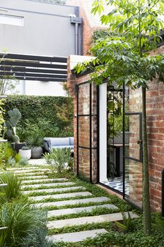 3 bedroom townhouse for sale at Avoca Street, South Yarra, VIC Auction - Saturday June View 13 property photos, floor plans and South Yarra suburb information. Indoor Courtyard, Courtyard Landscaping, Courtyard Design, Courtyard House, Garden Design, Landscaping Small Backyards, Small Courtyards, Garden Architecture, Outdoor Areas