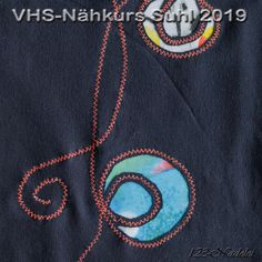 Reverse Applikation, Maschinenstiche, sew, cut slice, Jersey Layers, Upcycling, Refasion, Mending, Textile Art Chenille, Textile Art, Layers, Sew, Scrappy Quilts, Yarn And Needle, Pearl Jewelry, Repurpose, Handarbeit