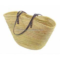 Capazo de palma natural con asas de cuero de color marrón. Fabricados a mano, con buenos acabados y de gran calidad. Económicos. Descubre más productos relacionados en nuestra página web!
