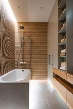 Spa Bathroom Design, Bathroom Layout, Small Toilet Room, Shiplap Bathroom, Bathroom Design Inspiration, Toilet Design, Minimalist Bathroom, Contemporary Bathrooms, Home Interior Design