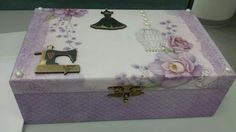 Caixa de costura lilás