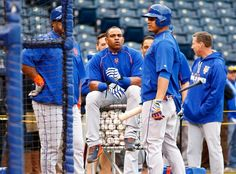 Yoenis Cespedes, NYM, workout day before Game 1 of the WS, Oct 26, 2015 (Photo by Maxx Wolfson/Getty Images)