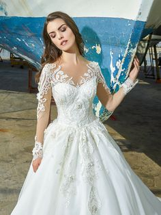 Bridal, evening and ball gowns made of exquisite fabrics and fine handwork will highlight your delicate, natural beauty and individuality on your unique Dress Sleeves, Wedding White, Tulle Dress, Bridal Style, Ball Gowns, Wedding Dresses, Spring, Lace, Unique