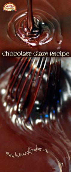 Wedding Cake Recipes Chocolate Glaze Recipe - Recipe, design ideas and and instructions on how to make shiny and smooth poured chocolate glaze for decorating and enrobing cakes Chocolate Icing Recipes, Chocolate Ganache Glaze, Chocolate Garnishes, Cooking Chocolate, Chocolate Topping, Chocolate Donuts, Chocolate Frosting, Chocolate Garnish Recipe, Caramel Icing
