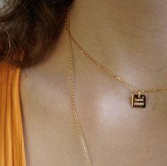 Toujours avec toi* mon amour* Médaille carrée 10 mm plaqué or 18 carats • personnalisable sous 48h • Disponible sur l'eshop http://delphinepariente.fr/fr/personnalisables/399-collier-medaille-carree-10-mm-plaque-or.html