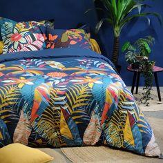 Parure de lit colorée (Multicolore) - Homemaison : vente en ligne parures de lit Decoration, Industrial Design, Comforters, Pop Art, Loft, Blanket, Architecture, Bedroom, Style
