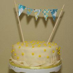 Torta de piña con crema, receta chilena   En Mi Cocina Hoy Poke Cakes, Chocolate En Rama, Cake Banner, Pastry Cake, First Birthdays, Food And Drink, Birthday Cake, Baby Shower, Cream