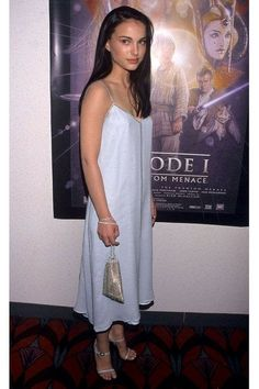 Natalie Portman Star Wars, Natalie Portman Style, Baby Blue Dresses, Nice Dresses, Nathalie Portman, Iconic Dresses, The Dress, 90s Fashion, Celebrity Style