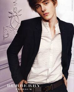 Emma Watson has a brother? Oh yeah! Alex Watson for Burberry Hottest Male Celebrities, Cute Celebrities, Celebs, Alex Watson, Emma Watson, Pretty People, Beautiful People, Skinny Fashion, Celebrity