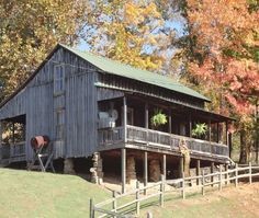 Dolly Parton's Childhood Cabin Home